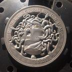 【画像】精巧すぎるコインの彫刻が凄い!!