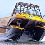サスペンション付きの!モーターボートが凄い!!