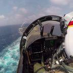 戦闘機が空母に着陸する時の!パイロットの風景が怖い!!
