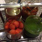 インド料理店 Chilli Chillはトマトや野菜のスパイス漬けなどが食べ放題 near カオサン通り