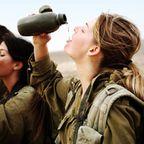 (美人が多目)働く兵隊の女の子の画像の数々!
