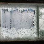 【画像】カナダの冬の室内がちょっとイカレてる・・・