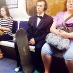 電車や駅で見かけたちょっと変った人達の画像の数々!!