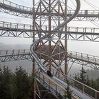 【画像】チェコ共和国にある超巨大で色々超怖過ぎる滑り台!!