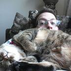【画像】猫はカワイイけどなぜか邪魔をしてくる。。