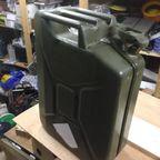 【自作】携帯用のガソリンタンクを利用した携帯用のバーを作る!!