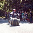 【画像】タイヤが太い!ワインの樽の自転車が凄い!!