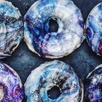【画像】宇宙を表現したドーナツ!ギャラクシードーナツが美味しそうなのかもしれない!!
