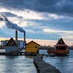 【画像】ハンガリーの湖に浮いている村がなんだか不思議!!