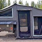 【画像】ジープに牽引するキャンピング用のテントが魅力的!!