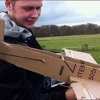 【動画】かなりよく飛ぶ!ダンボールで作ったラジコン飛行機が凄い!
