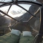 【画像】高さ120mの絶壁に設置された360度見えるホテルが凄いww