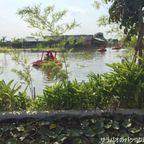 ドゥーブア・カフェは大きな蓮の池がある大人気のカフェ in ナコーンパトム県