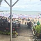リム・タレーはメニュー豊富でビーチビューの隠れ家的なレストラン in パタヤ