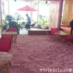 目の前にオーシャンビューが広がるバーニング・デーライト・カフェ in シーンスペース・ホアヒン