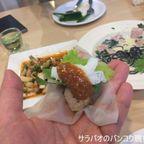 モアはベトナム料理から西洋料理までカバーする料理メニューが豊富なカフェ in ナコーンパトム県