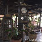 ルアン・ノムソットはバーンナムプン水上市場内にあるノスタルジックな雰囲気が漂うカフェ