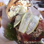 The Fat Cowはハンバーガーとクラフトビールがおすすめのハンバーガー屋 in ラートプラーオ