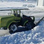 超便利そう!実際に使えるラジコンの除雪車!!