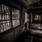 関連記事「小川脳病院(心霊スポット)内部の探索写真」のサムネイル画像