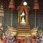 ワット・テープティダーラームは姫の為に建てられた女性参拝者が多い寺院 in バンコク旧市街