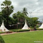 ミャンマーとの国境にある3基の小さな仏塔 in カンチャナブリ