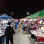 JJナイトマーケットはカンチャナブリ駅前にあるローカル向けの市場