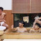 合宿中の男湯で男子部員たちのチ○ポの悩みを手コキとフェラで解決 4