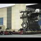 10万馬力!超でかい世界最大の船のエンジンの製造風景!!