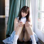 【No.1646】 三角座り / 瑠川リナ