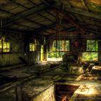 関連記事「窓日の差す工場」のサムネイル画像