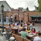 チョコレート・ビューはテーマパークの様な巨大レストラン on カセート・ナワミン通り