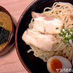城は濃厚魚介スープが特徴のつけ麺専門店 in エカマイ